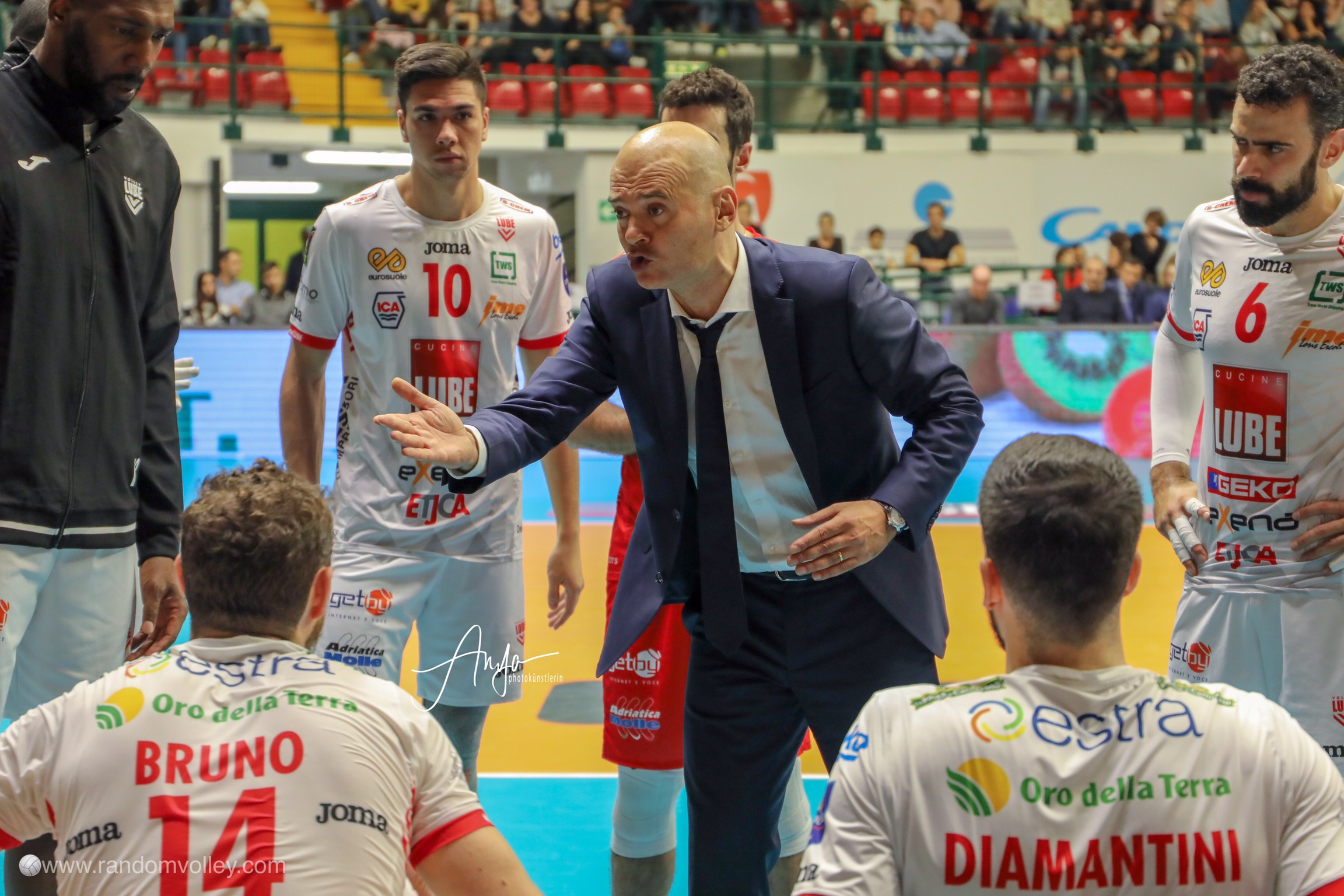 Lube Civitanova, now it's official: Medei resigned.