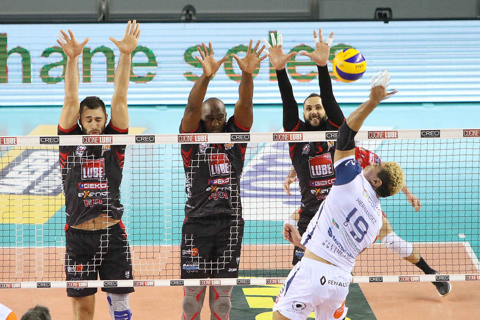 Lube Civitanova victorious in the advance of Round 9, Siena still winless after 8 round.