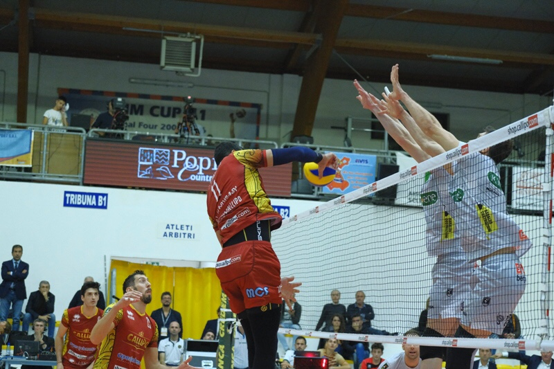 Great victory for Vibo Valentia in the advance of round 8. Padua defeated in 3 sets.