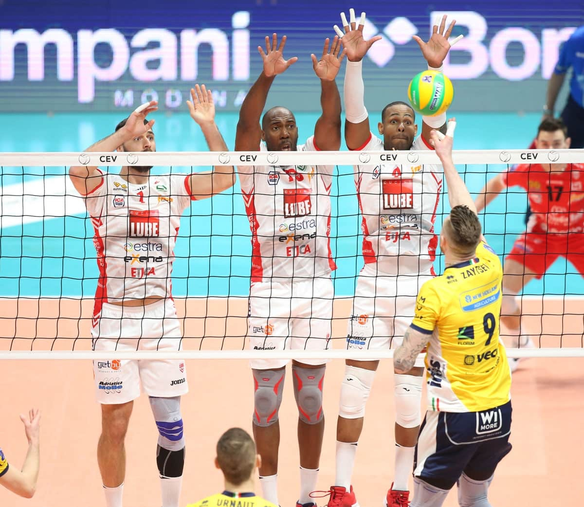 #ChampionsLeague: Tours down Arkas Izmir at tie break, Perugia unstoppable, Lube end Modena's road to the quarterfinals, and the others of Round 4.
