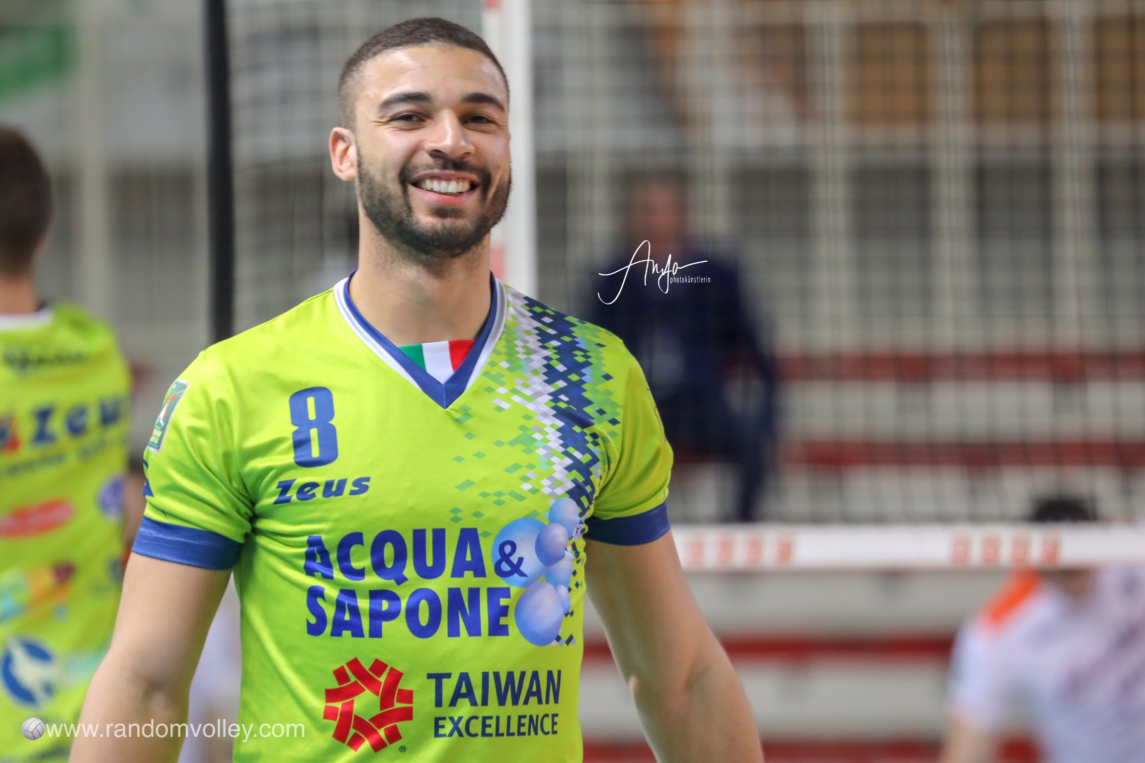 Swan Ngapeth: Another French to Vibo Valentia!