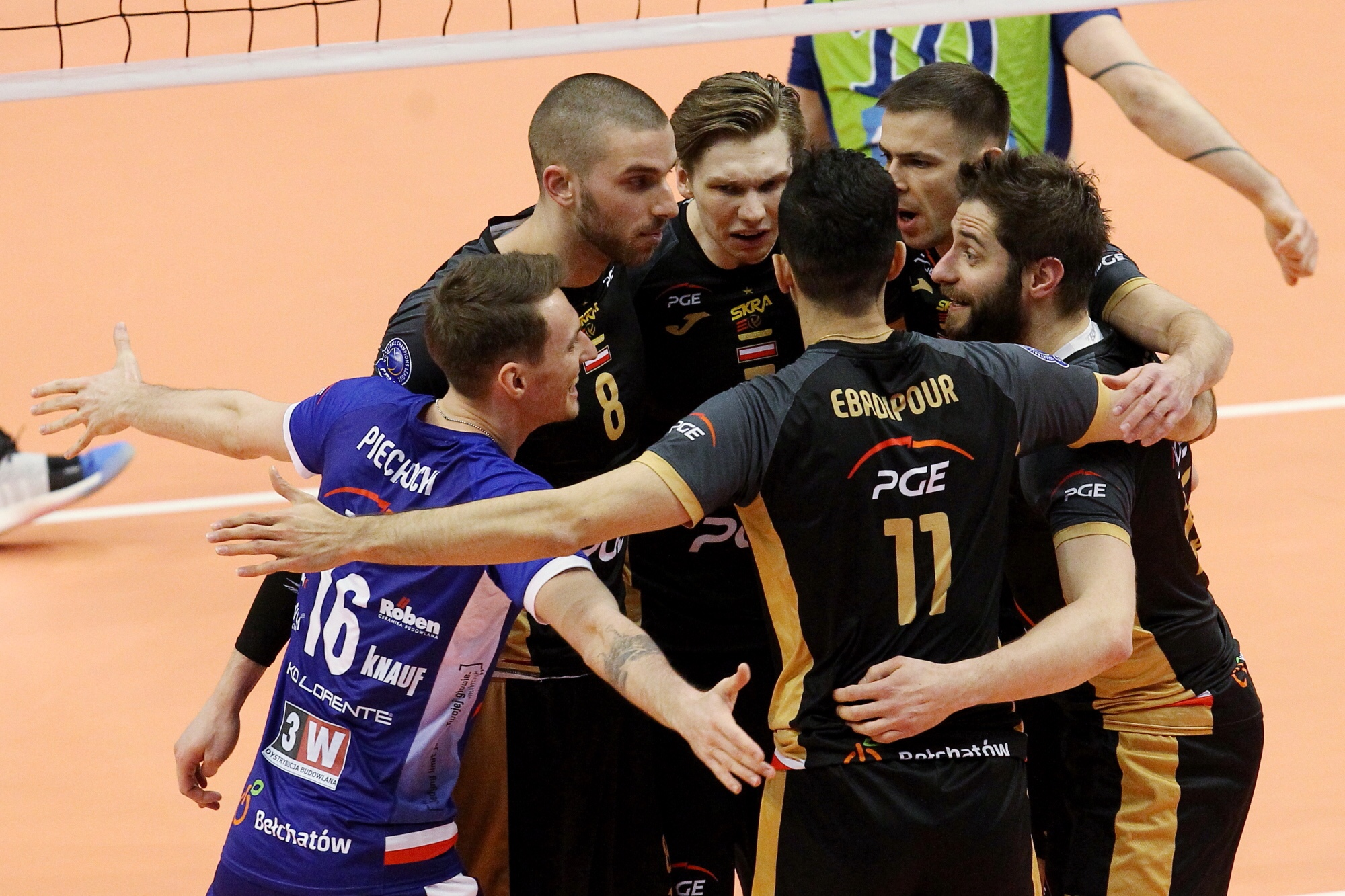 #ChampionsLeague: Golden set decides the winner in St. Petersburg: Skra advance to the semifinals. No problem for Perugia against Chaumont.