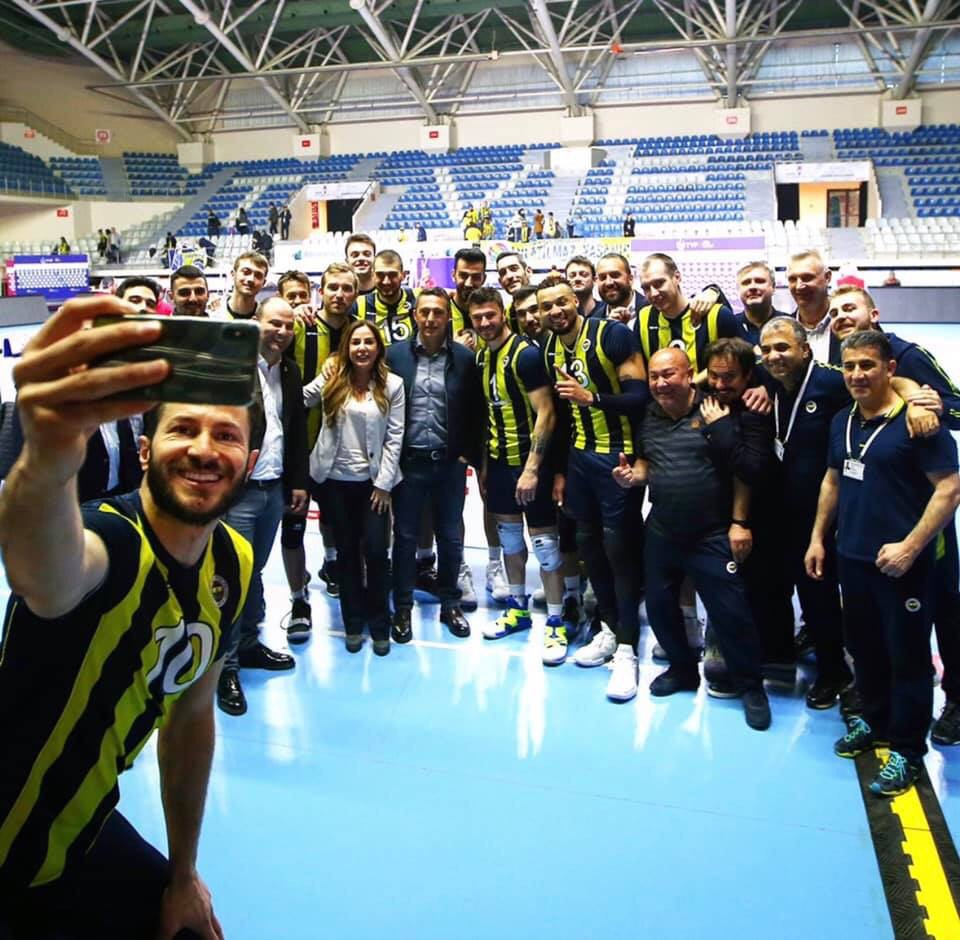 #Turkey: Fenerbahce win a dramatic five-set match against Arkas to earn a 1-0 lead in final series!